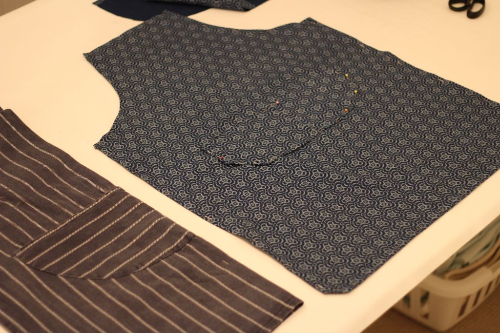 Pin pocket to apron