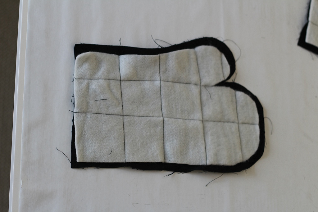 Cut oven gloves and and heat proof material