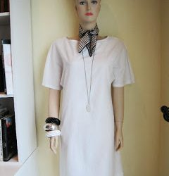 Simple Shift Dress, Snow Agate Long Necklace, Vintage Scarf