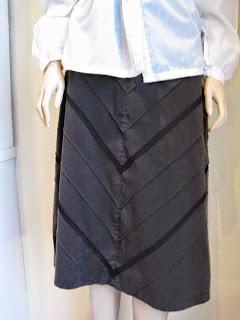 Diagonal lace trim on skirt