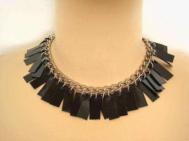 DIY Black Spiky Necklace