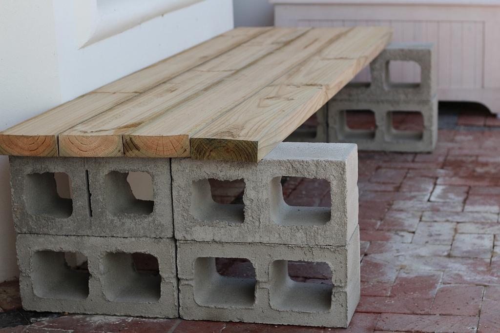 Sturdiest way to stack the blocks