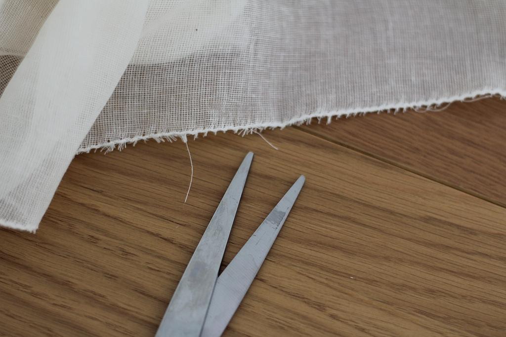 Cut away long threads